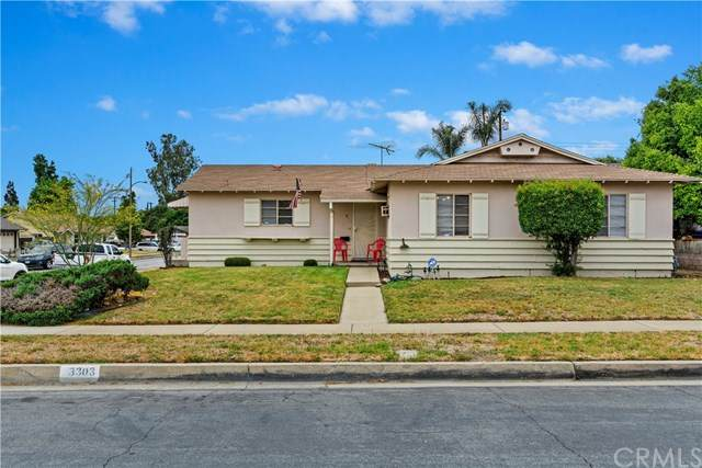 3303 Lynoak Drive, Claremont, CA 91711 (#IG20105704) :: Mainstreet Realtors®