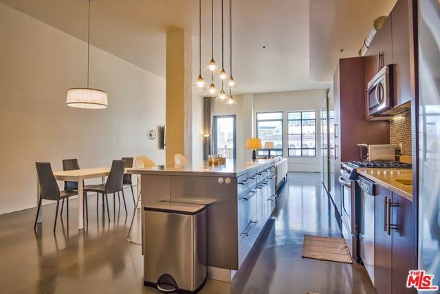 849 S Broadway #1209, Los Angeles (City), CA 90014 (#20587696) :: Wendy Rich-Soto and Associates