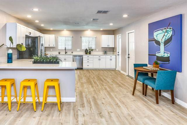 2905 N Cerritos Road, Palm Springs, CA 92262 (#219044388DA) :: The Laffins Real Estate Team