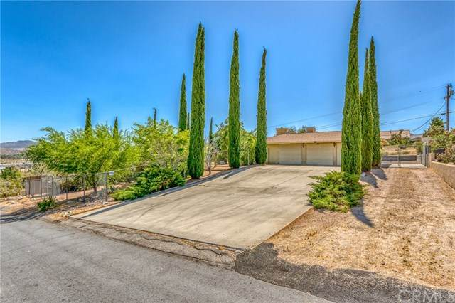 6380 Imperial Drive, Yucca Valley, CA 92284 (#JT20116306) :: Sperry Residential Group