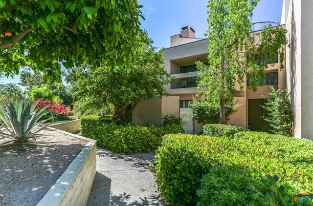 842 Village Square, Palm Springs, CA 92262 (#20591796) :: The Costantino Group | Cal American Homes and Realty