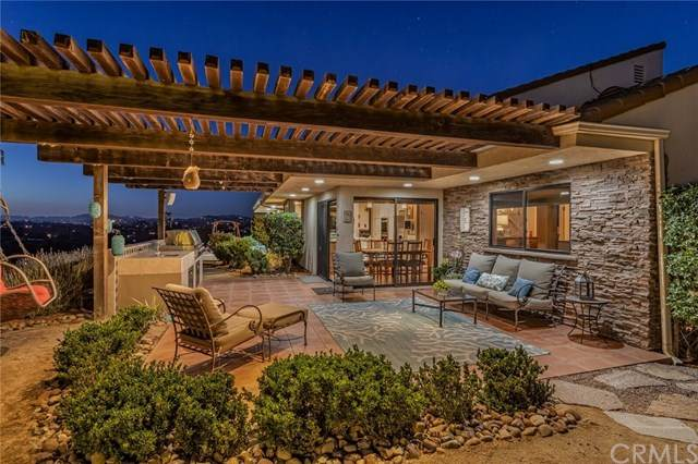4932 San Jacinto Circle E, Fallbrook, CA 92028 (#ND20115273) :: Mark Nazzal Real Estate Group