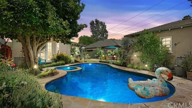 711 S Griffith Park Drive, Burbank, CA 91506 (#BB20117238) :: The Laffins Real Estate Team
