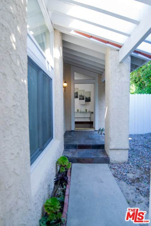 2905 Oakwood Lane, Torrance, CA 90505 (#20593914) :: Millman Team