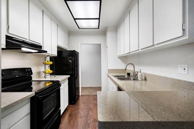 18307 E Burbank Boulevard #66, Tarzana, CA 91356 (#220006389) :: Sperry Residential Group