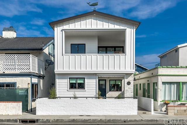 914 W Balboa Boulevard A & B, Newport Beach, CA 92661 (#OC20120478) :: Sperry Residential Group
