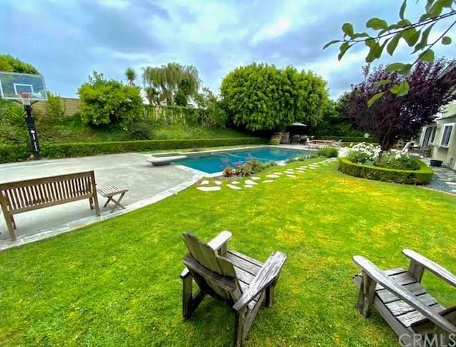 1201 Outrigger Drive, Corona Del Mar, CA 92625 (#NP20121061) :: Z Team OC Real Estate