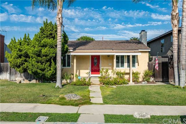 2030 Clark Avenue, Long Beach, CA 90815 (#RS20120827) :: Compass