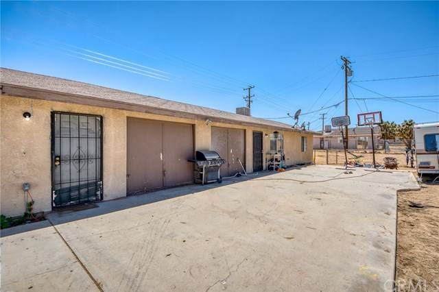 6470 Ronald Drive, Yucca Valley, CA 92284 (#JT20121282) :: RE/MAX Masters