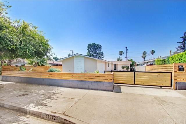 11912 Saticoy Street, North Hollywood, CA 91605 (#SR20123199) :: Crudo & Associates
