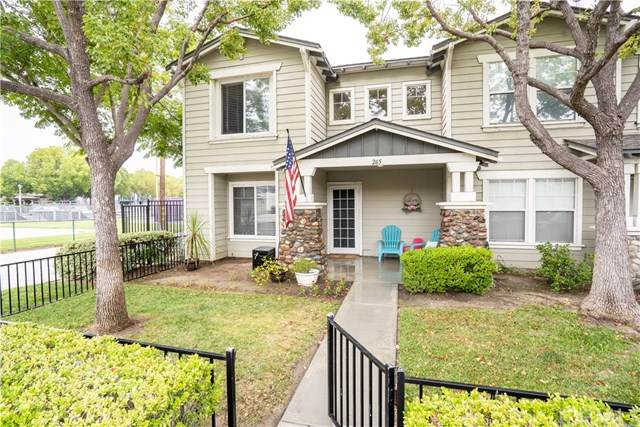 265 S Olive Street, Anaheim, CA 92805 (#PW20123585) :: Sperry Residential Group