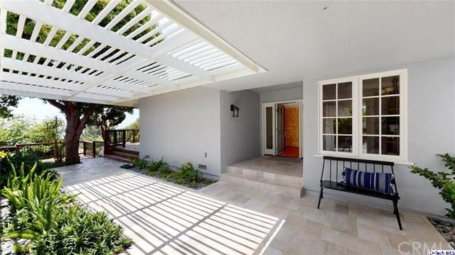 5241 Donna Maria Lane, La Canada Flintridge, CA 91011 (#320002121) :: The Brad Korb Real Estate Group