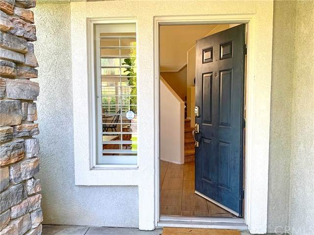 798 Saint James Drive, Corona, CA 92882 (#PW20125287) :: The Miller Group