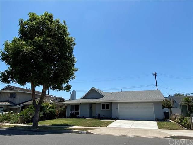6252 Silverwood Drive, Huntington Beach, CA 92647 (#OC20125047) :: Compass