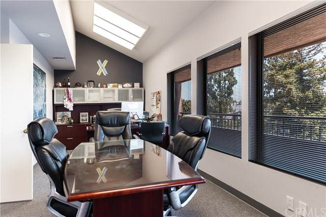 12711 Newport Avenue G, Tustin, CA 92780 (#PW20121801) :: Sperry Residential Group