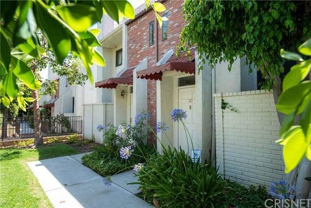 6540 Hayvenhurst Avenue #34, Lake Balboa, CA 91406 (#SR20125527) :: The Veléz Team