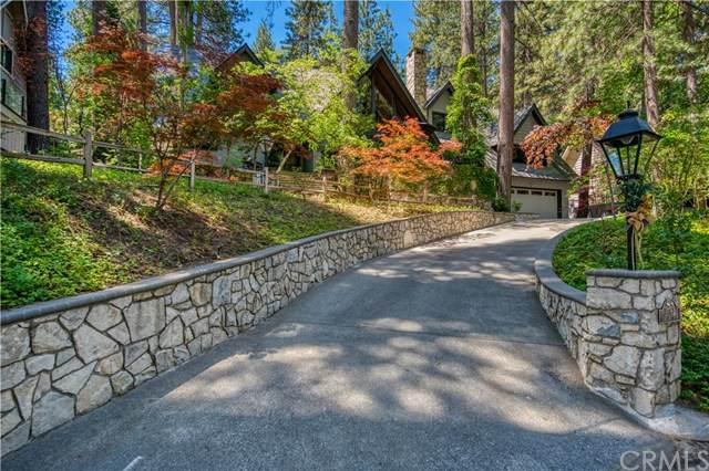 27763 Hamiltair Drive, Lake Arrowhead, CA 92352 (#PW20122767) :: Berkshire Hathaway HomeServices California Properties