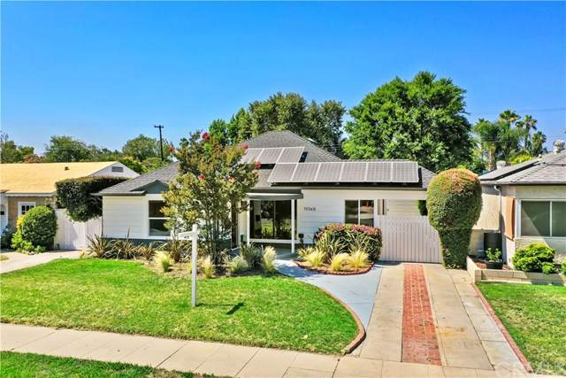 11549 Addison Street, North Hollywood, CA 91601 (#OC20128282) :: Compass