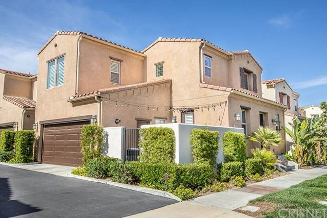 20251 Pienza Lane #141, Porter Ranch, CA 91326 (#SR20127334) :: Compass