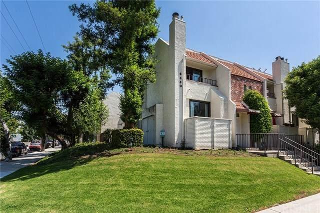 6540 Hayvenhurst Avenue #40, Lake Balboa, CA 91406 (#SR20128049) :: The Veléz Team
