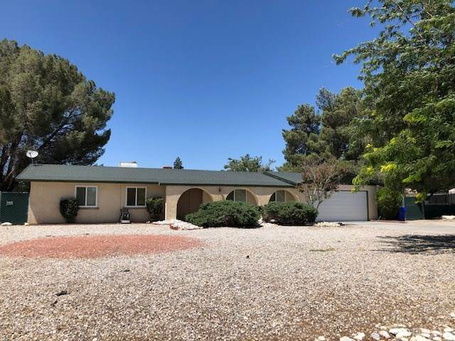 14186 Cuyamaca Road, Apple Valley, CA 92307 (#TR20128383) :: The Houston Team | Compass