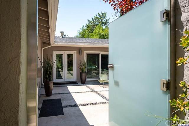 3124 Buckingham Road, Glendale, CA 91206 (#320002186) :: The Parsons Team