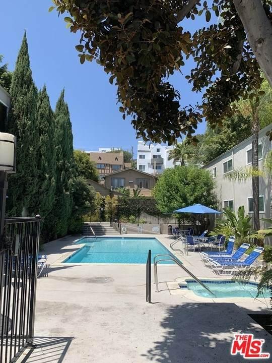 976 Larrabee Street #131, West Hollywood, CA 90069 (#20598518) :: The Najar Group