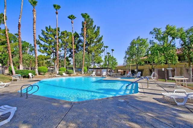 2812 N Auburn Court F102, Palm Springs, CA 92262 (#219045374DA) :: Berkshire Hathaway HomeServices California Properties