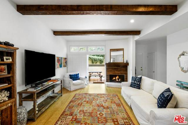 1730 Palisades Drive, Pacific Palisades, CA 90272 (#20598814) :: The Miller Group