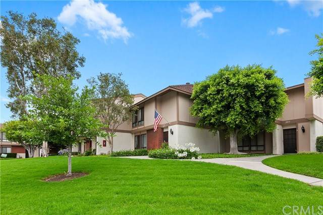 2855 N Cottonwood #10, Orange, CA 92865 (#IG20129334) :: Zutila, Inc.