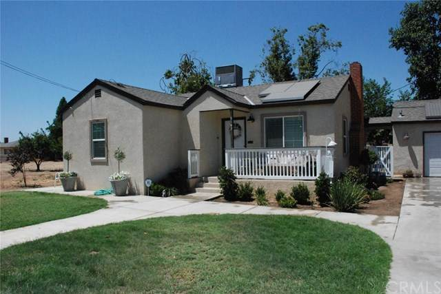 3162 W Madison, Fresno, CA 93706 (#MP20129571) :: The Najar Group