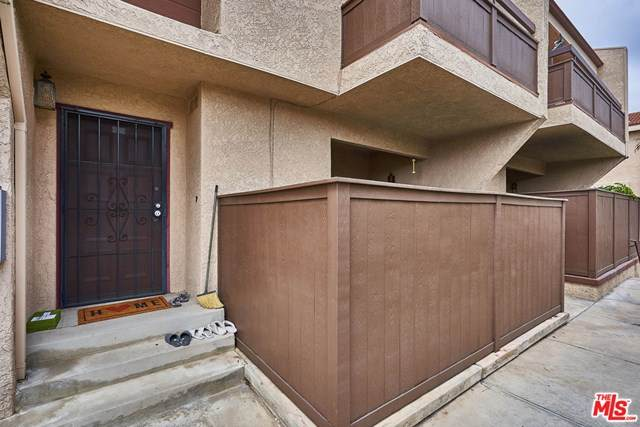 22539 S Figueroa Street #402, Carson, CA 90745 (#20584536) :: Millman Team