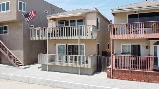 1003 Seal Way, Seal Beach, CA 90740 (#TR20129746) :: Allison James Estates and Homes