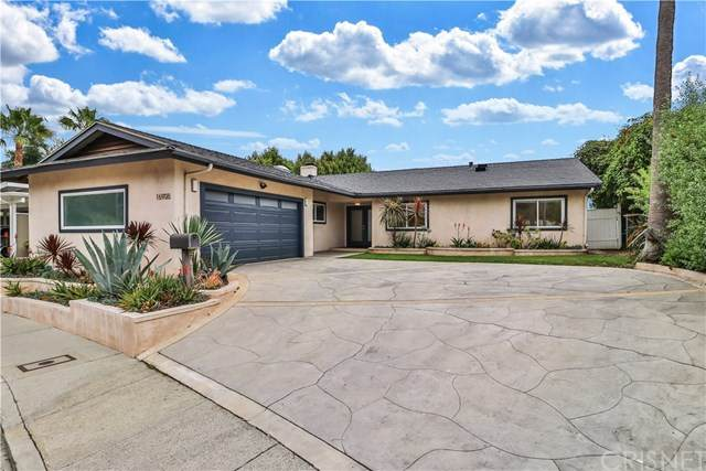 16908 Donna Ynez Lane, Pacific Palisades, CA 90272 (#SR20129829) :: Doherty Real Estate Group