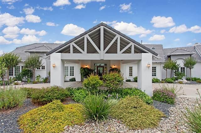 1742 Macadamia Dr, Fallbrook, CA 92028 (#200030806) :: A|G Amaya Group Real Estate