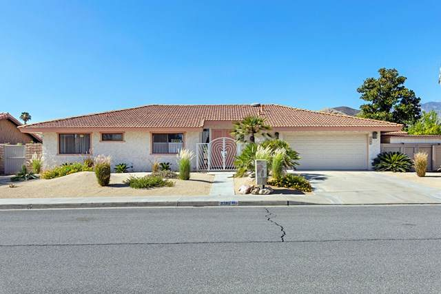 3385 E San Martin Circle, Palm Springs, CA 92264 (#219045478DA) :: The Marelly Group   Compass
