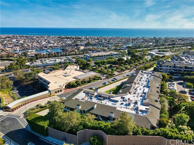 280 Cagney Lane #110, Newport Beach, CA 92663 (#NP20129900) :: Doherty Real Estate Group