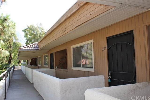575 N Villa Court #209, Palm Springs, CA 92262 (#PW20128413) :: Compass