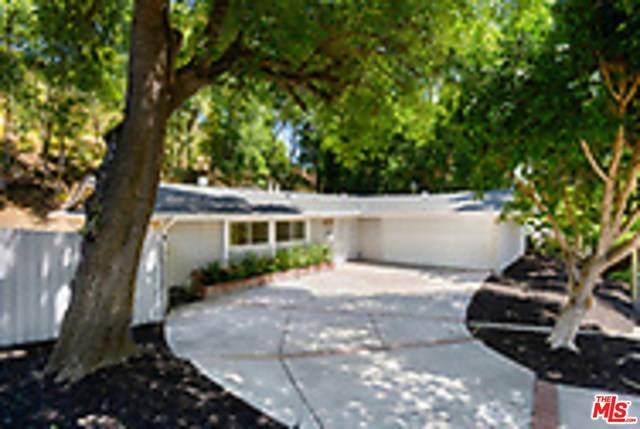 20519 Hatteras Street, Woodland Hills, CA 91367 (#20599400) :: EXIT Alliance Realty
