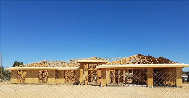 18925 Red Feather Road, Apple Valley, CA 92307 (#EV20130613) :: A|G Amaya Group Real Estate