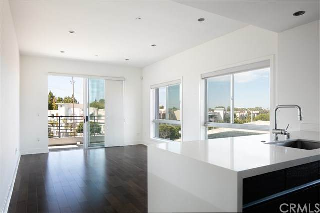 7857 Manchester Avenue #209, Playa Del Rey, CA 90293 (#RS20130480) :: Sperry Residential Group