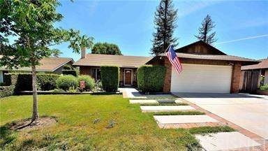 24336 Jennifer Place, Newhall, CA 91321 (#SR20130752) :: Doherty Real Estate Group
