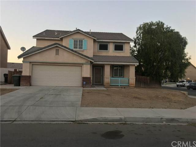 14610 Phoenix Street, Victorville, CA 92394 (#RS20130992) :: The Miller Group
