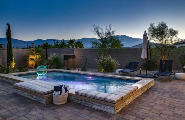 19 Syrah, Rancho Mirage, CA 92270 (#219045595PS) :: Z Team OC Real Estate