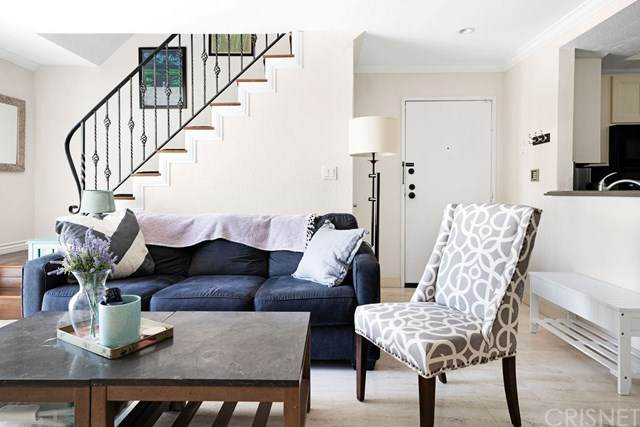 839 S Holt Avenue #101, Los Angeles (City), CA 90035 (#SR20131378) :: Powerhouse Real Estate