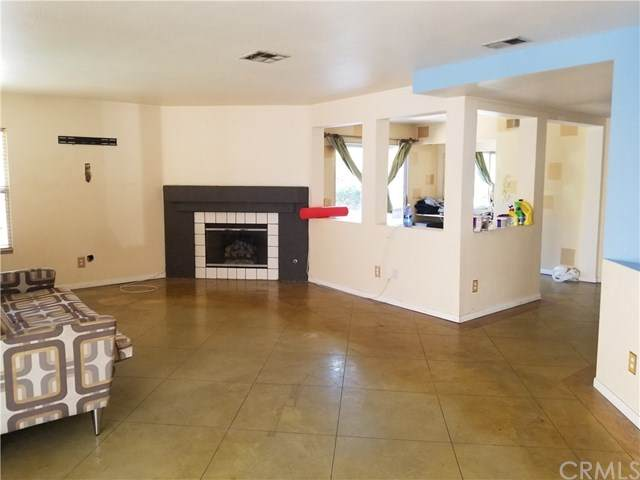 3810 Middleburg Place, Corona, CA 92881 (#IG20131851) :: The Najar Group