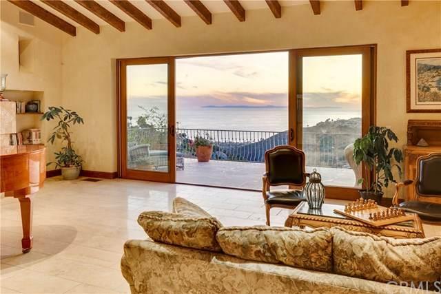 2516 Temple Hills Drive, Laguna Beach, CA 92651 (#LG20131944) :: Re/Max Top Producers