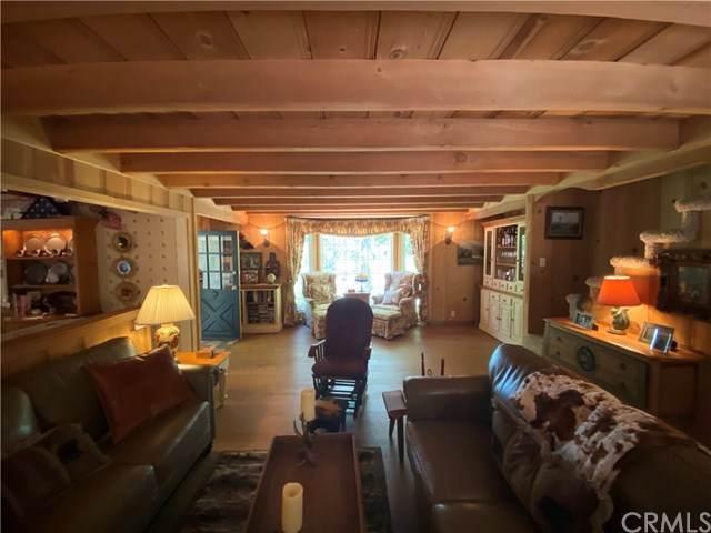 305 John Muir Road, Lake Arrowhead, CA 92352 (#IV20132036) :: Team Tami