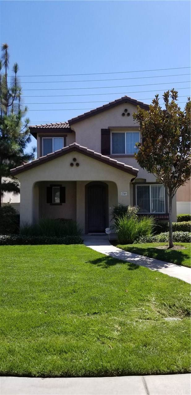 1749 Catania Drive, Riverside, CA 92507 (#IV20132003) :: Sperry Residential Group