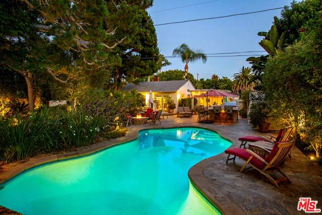 11925 Mccune Avenue, Los Angeles (City), CA 90066 (#20600236) :: Millman Team